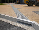 BIRCOprofil Bordblock entwässert auch bei hohen Niederschlagsmengen
